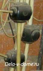 Ответвительный сжим Орех используется для ответвления провода от несущей жилы